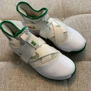 Nike Lebron Soldier 12 Basketball Shoes Size 9